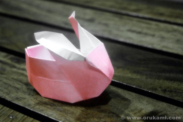 Jacky-Chan-Origami-Little-Rabbit-Lantern